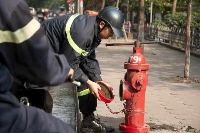 Kiểm tra trụ chữa cháy ngoài nhà