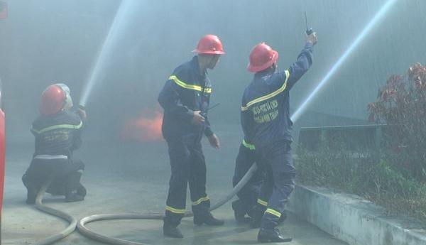 Sử dụng vòi chữa cháy
